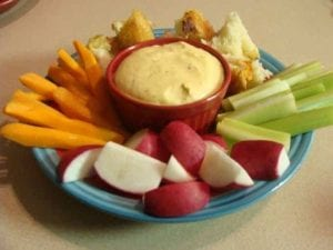 Hot Artichoke Dip Recipe. Find this & more deliciousness @ https://www.slowcookerkitchen.com