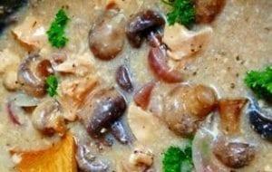 https://www.slowcookerkitchen.com/slow-cooker-chicken-mushrooms/
