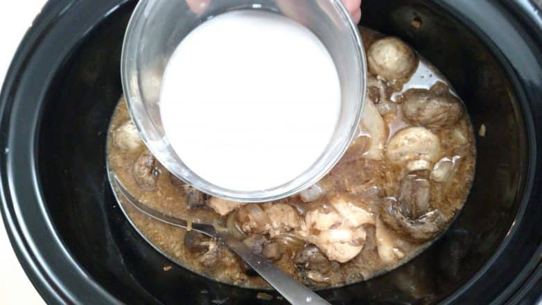Slow Cooker Chicken and Mushrooms